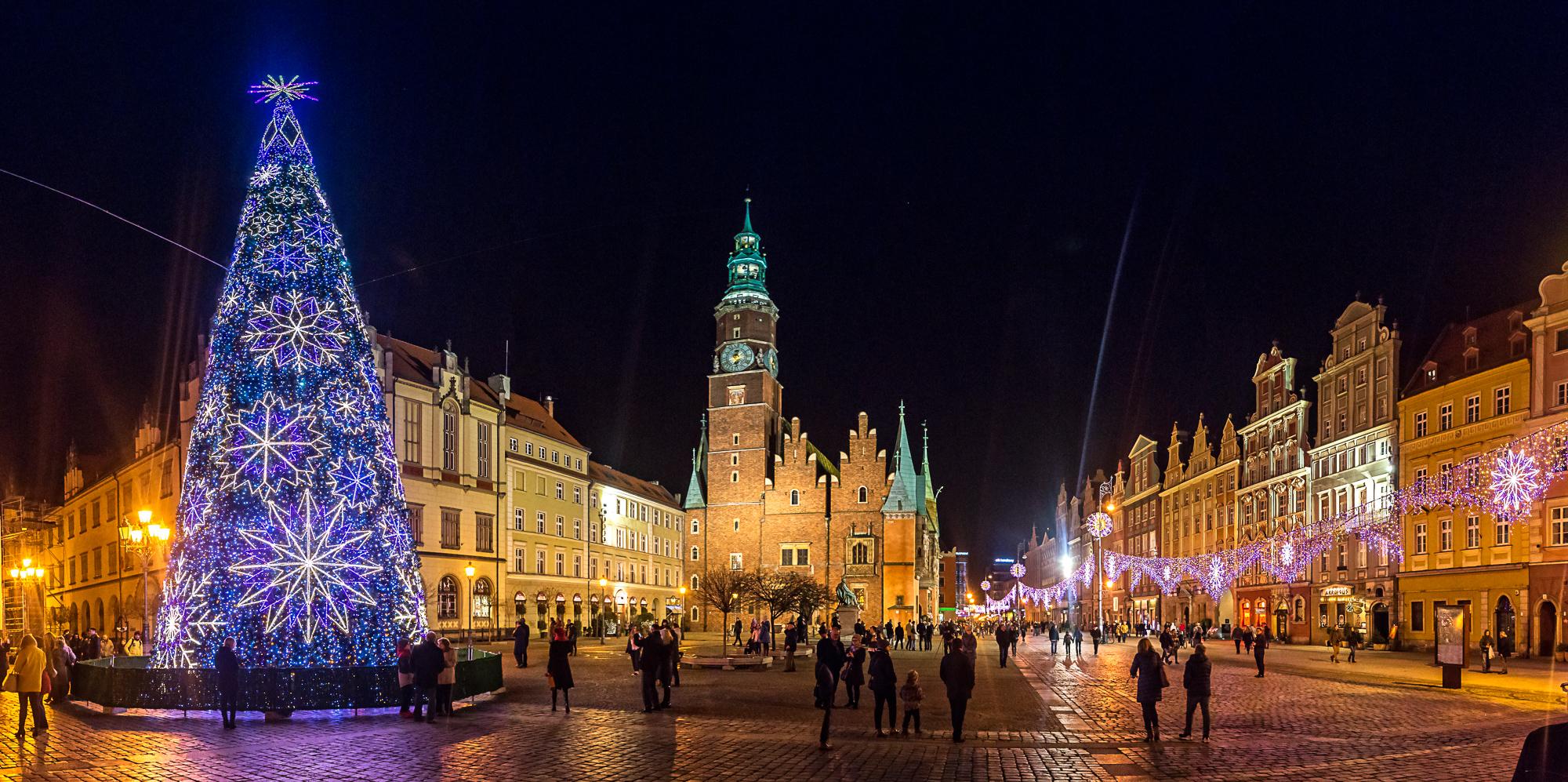 Le panorama festif de centre-ville de Wroclaw